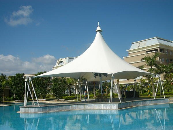 Swimming pool membrane structure